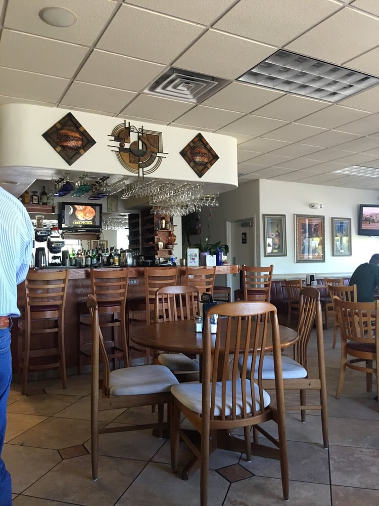 Chris's Diner: 8638 W Sandy Ln, Arizona City, AZ