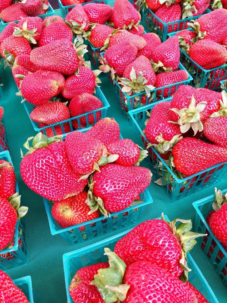 Marina's Sunday Farmers Market: 215 Reservation Rd, Marina, CA