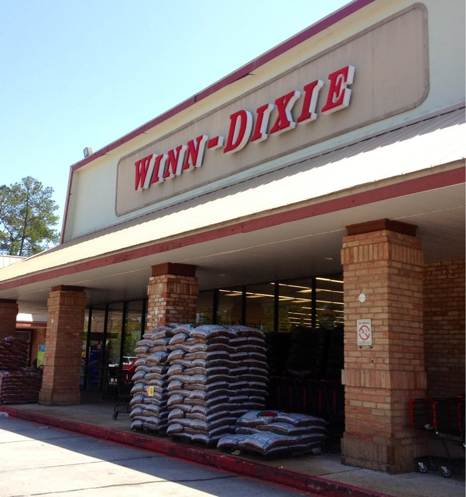winn dixie Here's a list of what's open and closed today: grocery stores publix: open until 7  pm winn dixie: open until 9 pm whole foods: open until.
