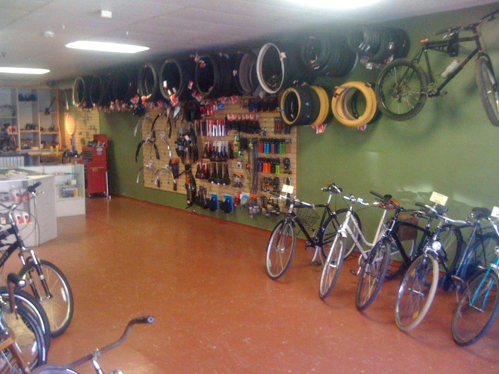 Pleasant Rainy Peak Bicycles Bike Rentals 533 E Main St Cottage Interior Design Ideas Gentotryabchikinfo