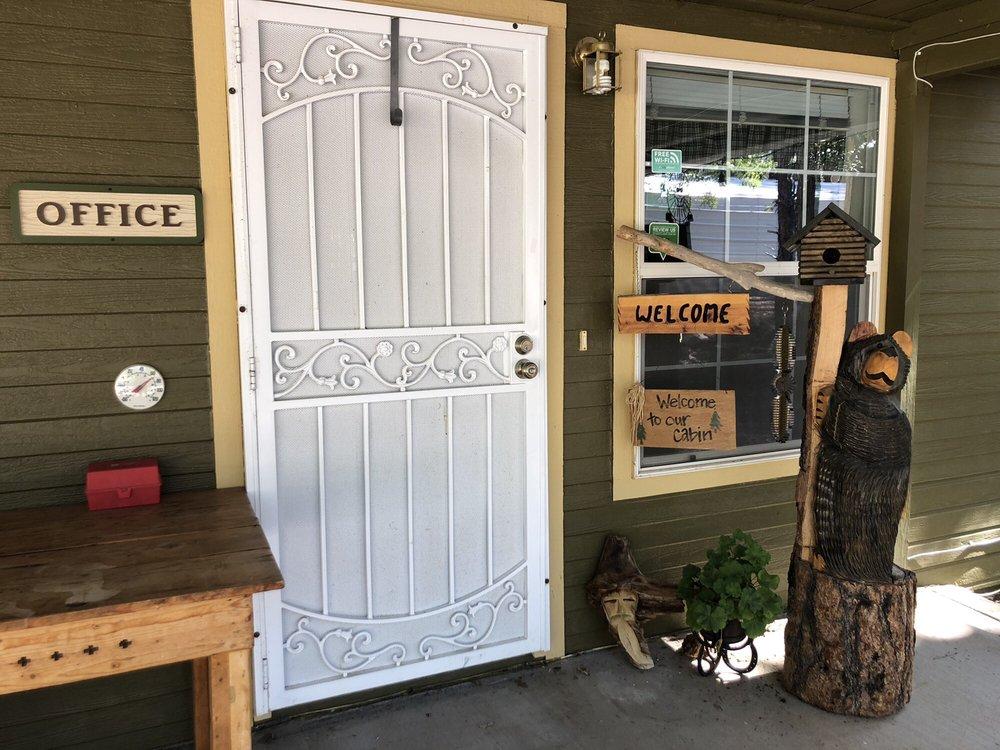 Mountain Meadows Cabins: 1075 E Ranch Rd, Payson, AZ