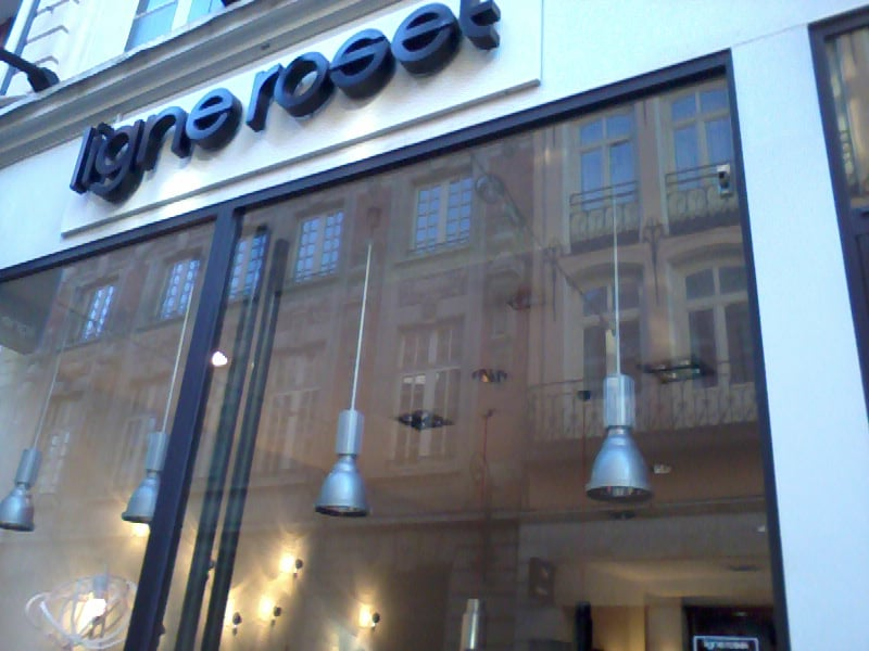 Ligne roset magasin de meuble 60 rue esquermoise vieux lille lille num ro de t l phone - Magasin meuble lille rue esquermoise ...