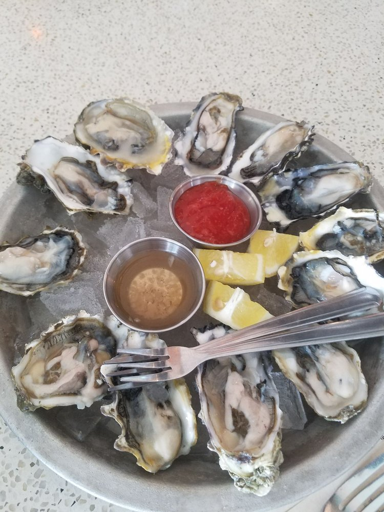 HH 2 dozen Oysters ! Pacific , Point Lookout, Stellar Bay