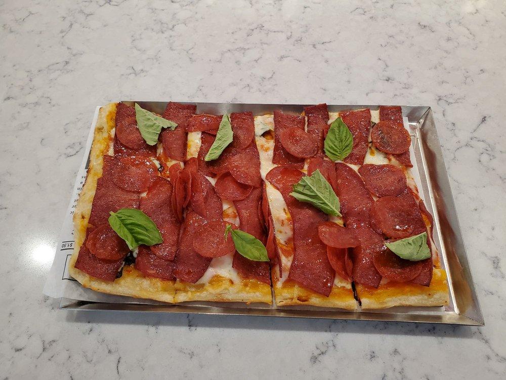 Harry's Pizza Market: 4024 Hwy42, Sheboygan, WI