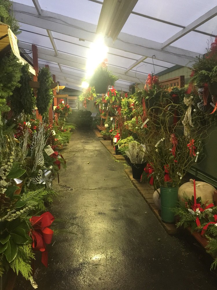 Knollwood Garden Center and Landscaping: 3766 Dayton Xenia Rd, Dayton, OH