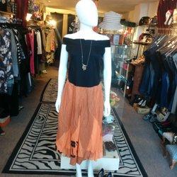 La Petite Boutique - Vêtements pour femmes - 21 Somerset Ave ... 03c72219246a