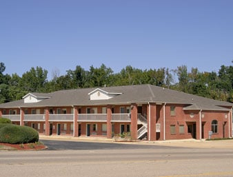 Days Inn by Wyndham Tupelo: 1015 North Gloster Street, Tupelo, MS