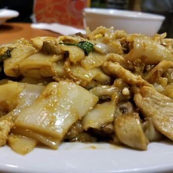 Photo Of Kim S Thai Restaurant Milwaukee Wi United States Pad Kee Mao