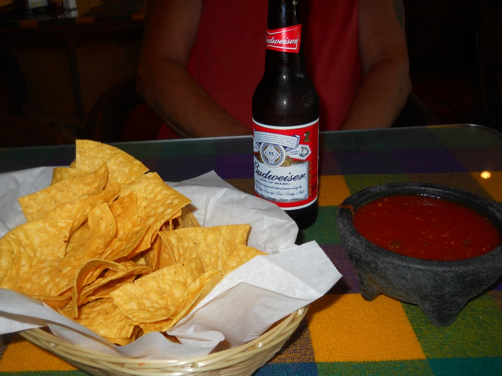 Great Chips And Salsa And They Had Cold Budweiser So Tony