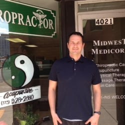 Panek Chiropractic - Acupuncture - 3738 N Broadway, Lakeview