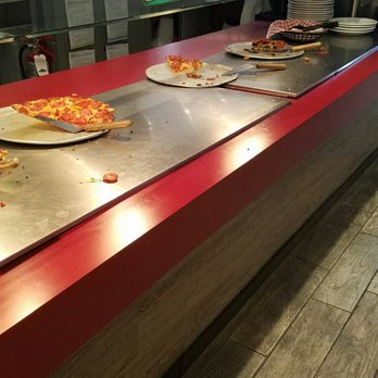 Round Table Pizza - 52 Photos & 110 Reviews - Pizza - 13293 Black ...