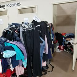 the salvation army family store donation center 13 photos 11 reviews thrift stores. Black Bedroom Furniture Sets. Home Design Ideas