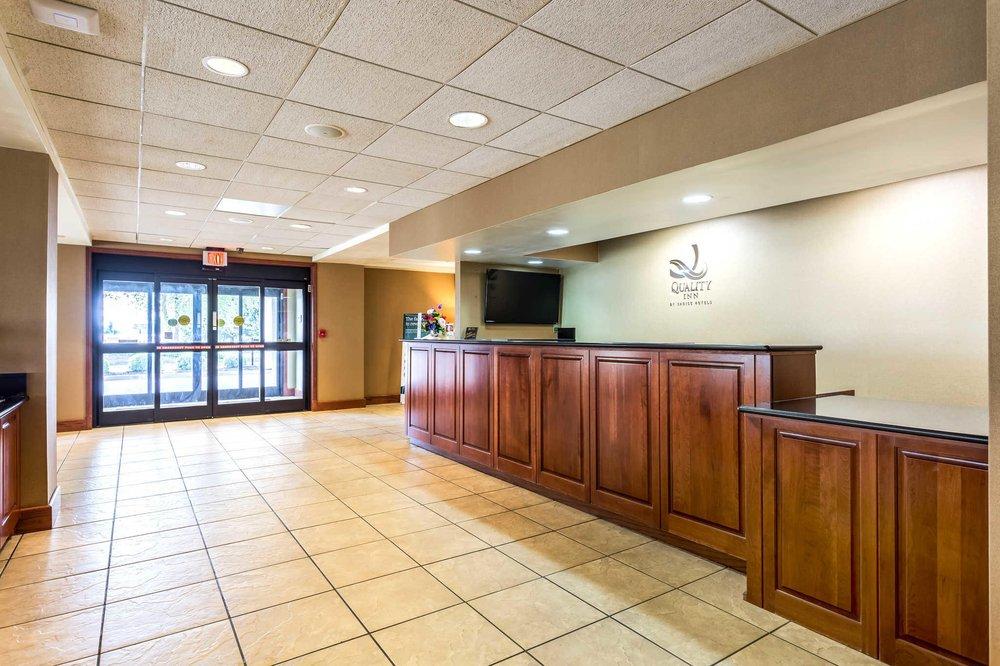 Quality Inn: 2201 W Reelfoot Ave, Union City, TN