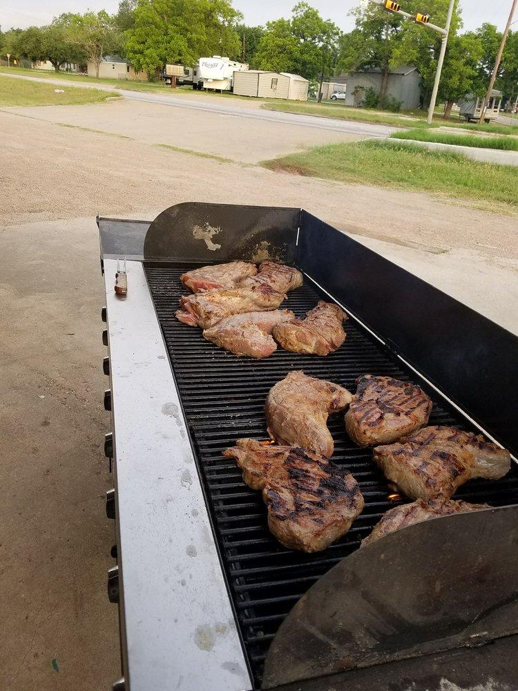 The Garden Spot Cafe: 1301 W Hwy 21, Caldwell, TX