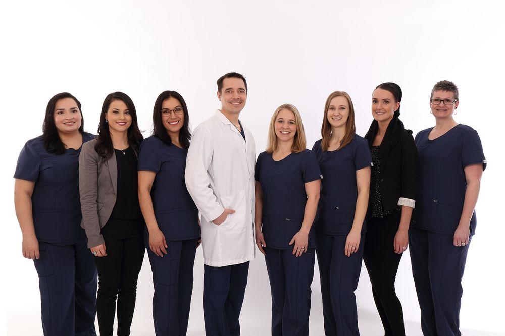 Aurora Family Dentistry: 21668 Hwy 99 NE, Aurora, OR