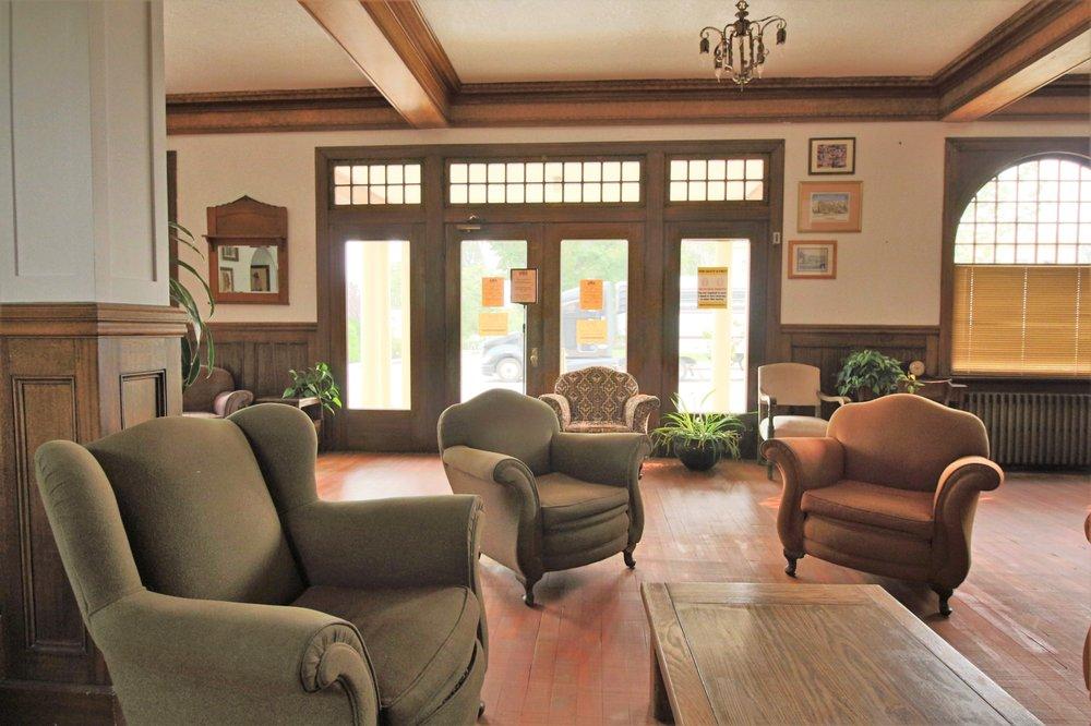 Winnedumah Hotel: 211 N Edwards, Independence, CA