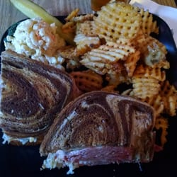 Muddy's 40 - Order Food Online - Sports Bars - 40 Lincoln Ave - Watervliet,  NY - Reviews - Photos - Phone Number - Yelp