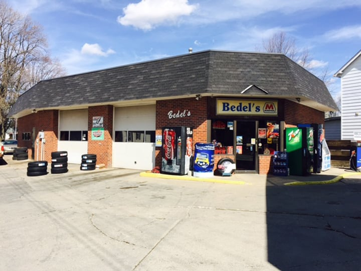 Bedel's Marathon: 102 N Smith St, Batesville, IN