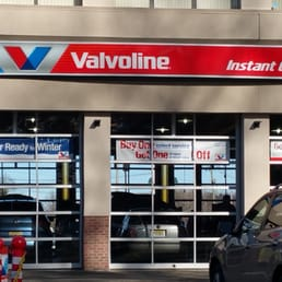 valvoline instant oil change 18 reviews oil change stations 1167 state route 23 s. Black Bedroom Furniture Sets. Home Design Ideas