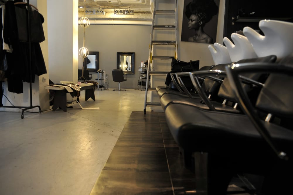 Dorah hair salons 182 183 rue saint martin beaubourg for Hair salon paris france