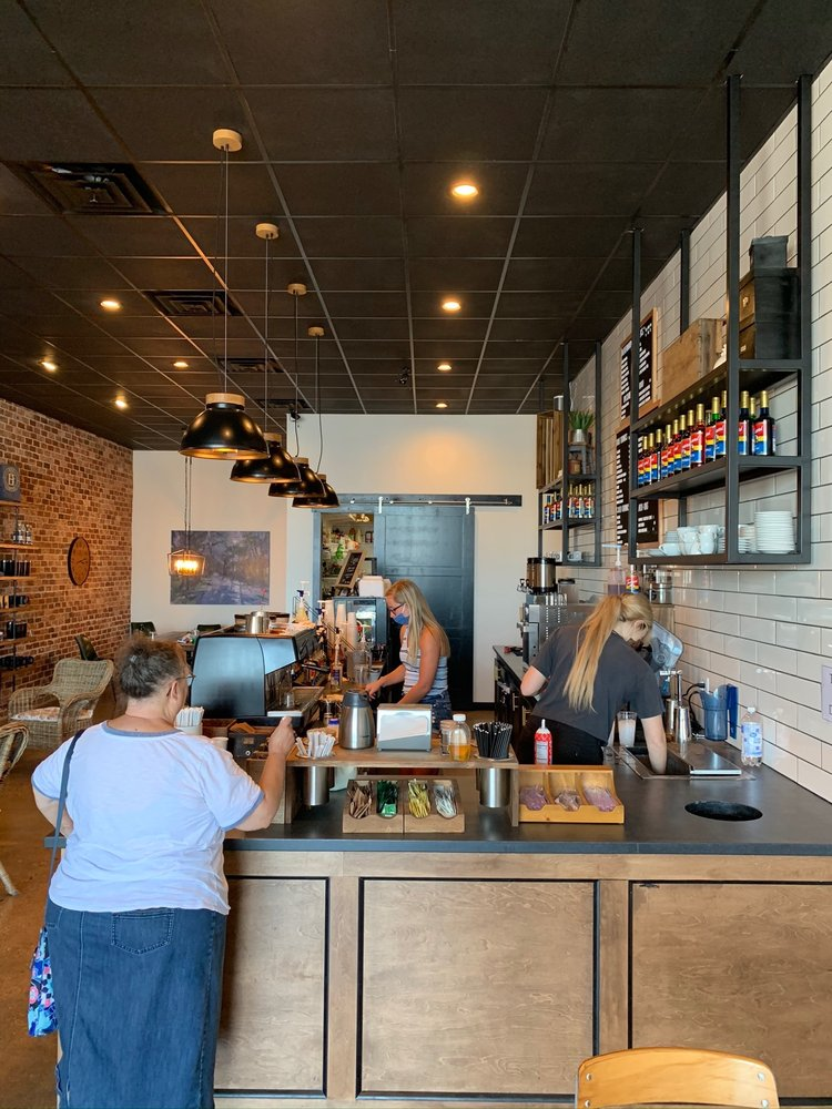 Hos Coffee: 603 Clifty Dr, Madison, IN
