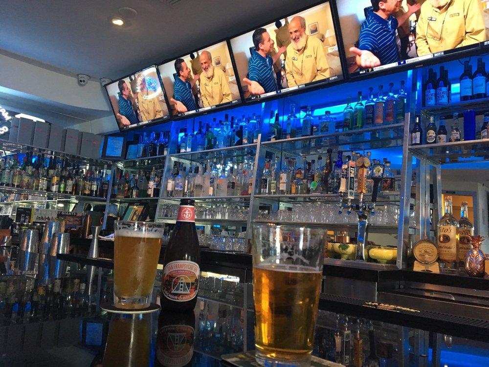 The Rail Sports Bar & Lounge