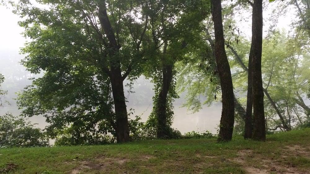 Riverview Ranch: 7945 Hwy N, Bourbon, MO