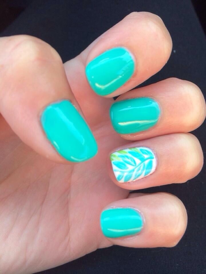 Such A Cute Look These Are Shellac Nails. She Was Given A
