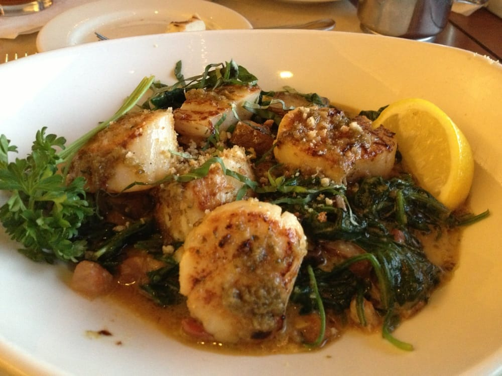 Day boat scallops with mushrooms spinach and a light for Anthony s fish grotto san diego
