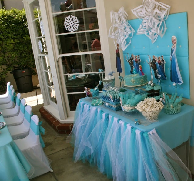 Decorating Ideas For Rentals: Disney Frozen Girls Party, Kids Tables And Chairs, Decoration Ideas, Centerpieces, Kids Party