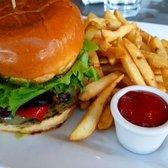 'Photo of Brasil - Houston, TX, United States. jalapeno turkey burger' from the web at 'https://s3-media4.fl.yelpcdn.com/bphoto/5iQ7R3_l8_6T15mgDNNkHA/168s.jpg'