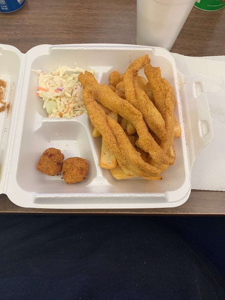 Haysville Fish Company: 7301 S Broadway St, Haysville, KS