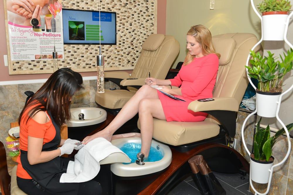 Herndon Nail Salon Spa: 754 Elden St, Herndon, VA