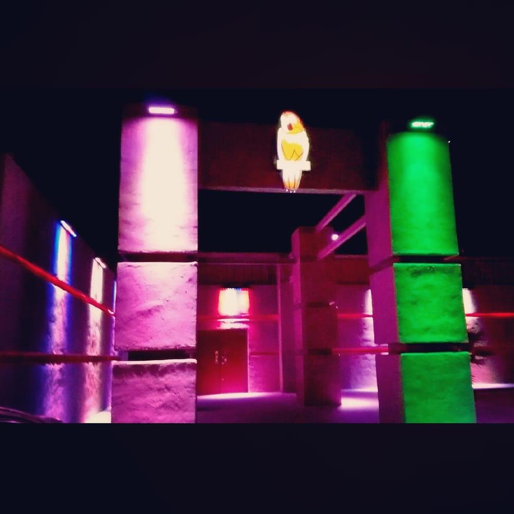 The Red Parrot: 14401 Gateway Blvd W, El Paso, TX
