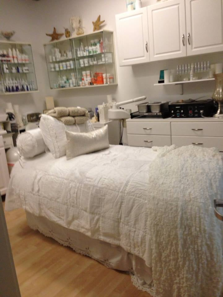 Woodland (CA) United States  city pictures gallery : ... Skin Care Woodland Hills Woodland Hills, CA, United States Yelp