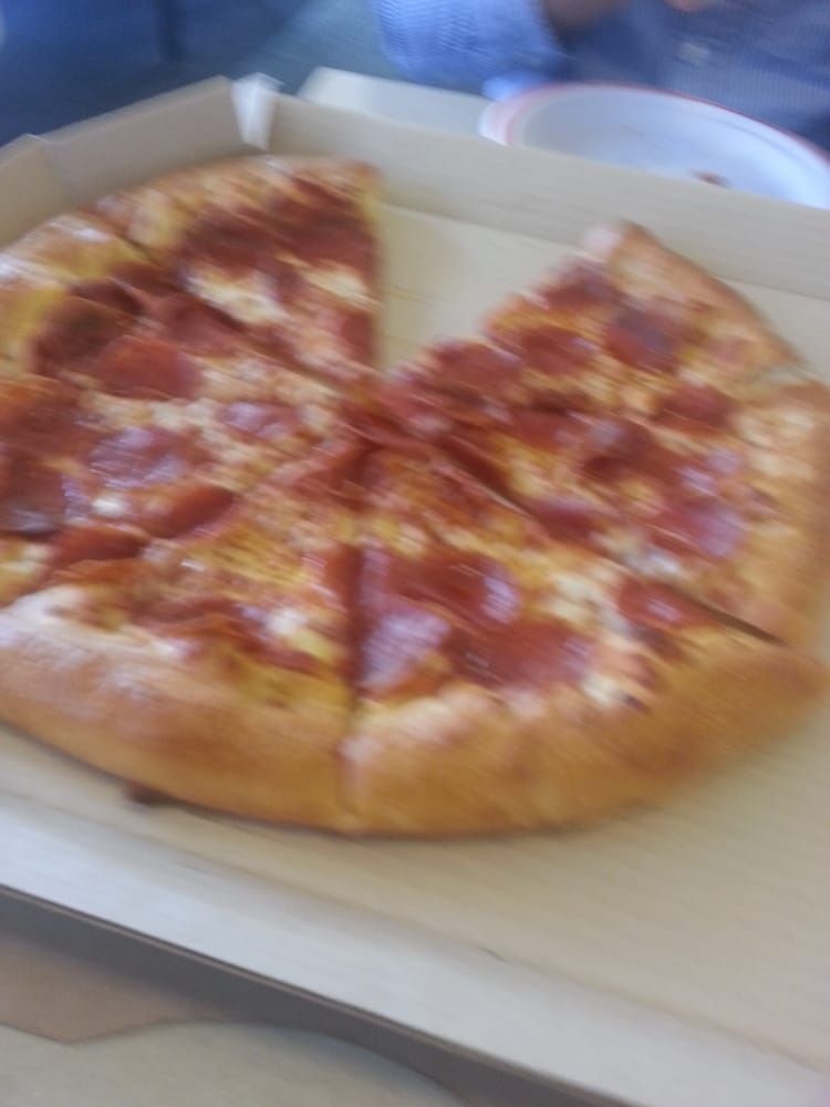 Pizza Hut: 411 E Green St, Champaign, IL