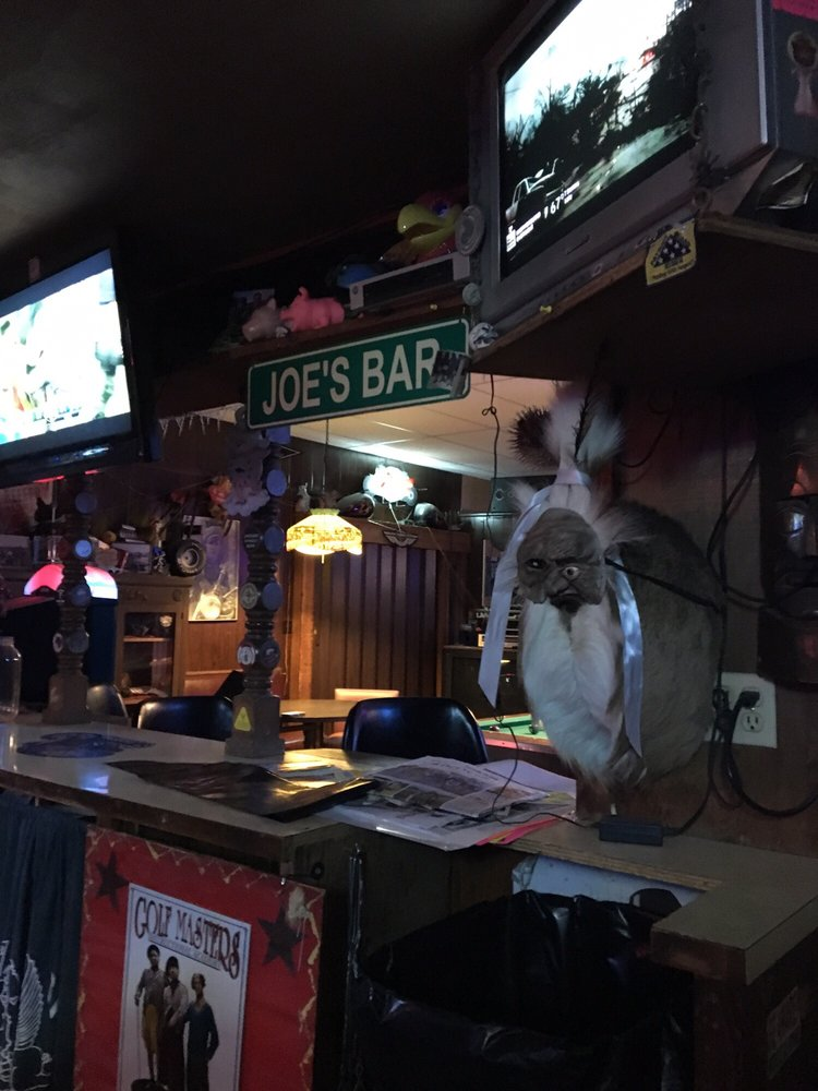 Joe's: 612 Broadway, Marysville, KS