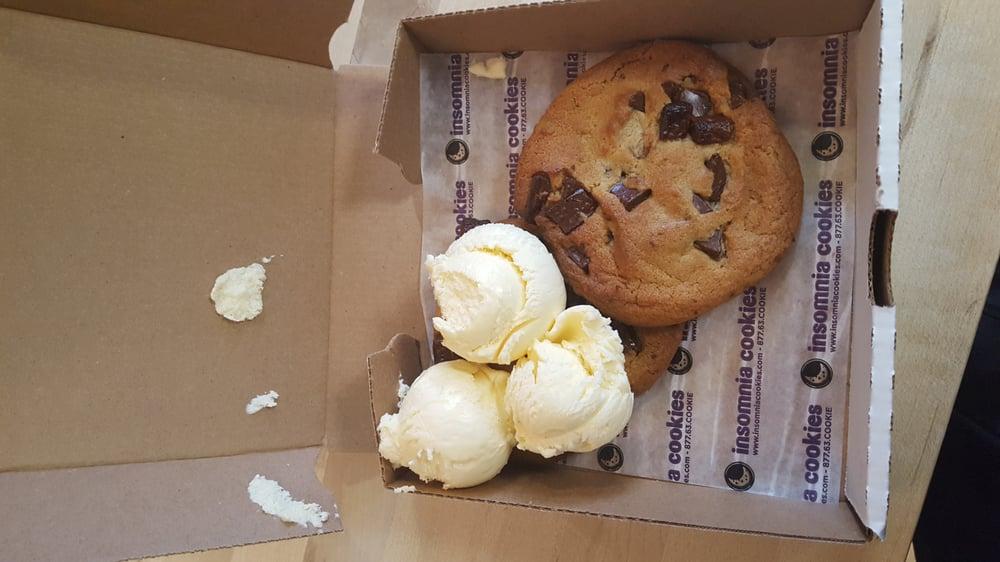 Insomnia Cookies: 502 E John St, Champaign, IL