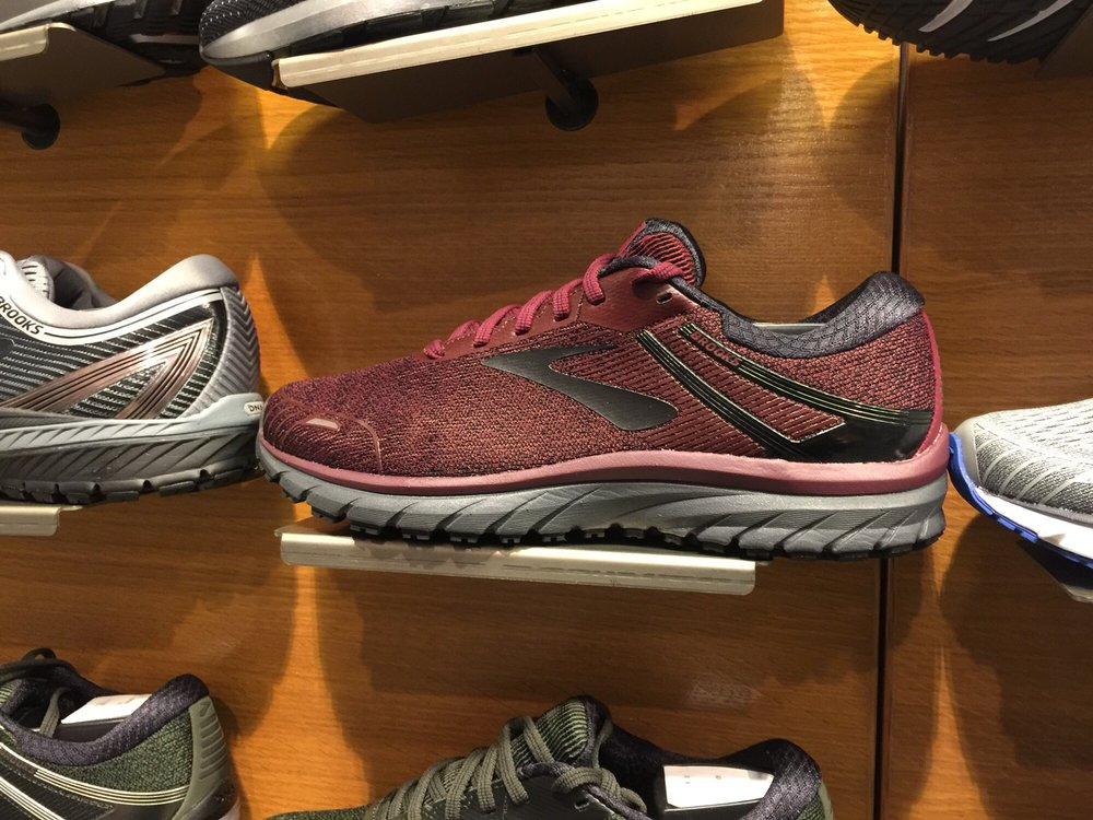 Finish Line 24 Photos Shoe S 6910 Fayetteville Rd Durham Nc Phone Number Yelp