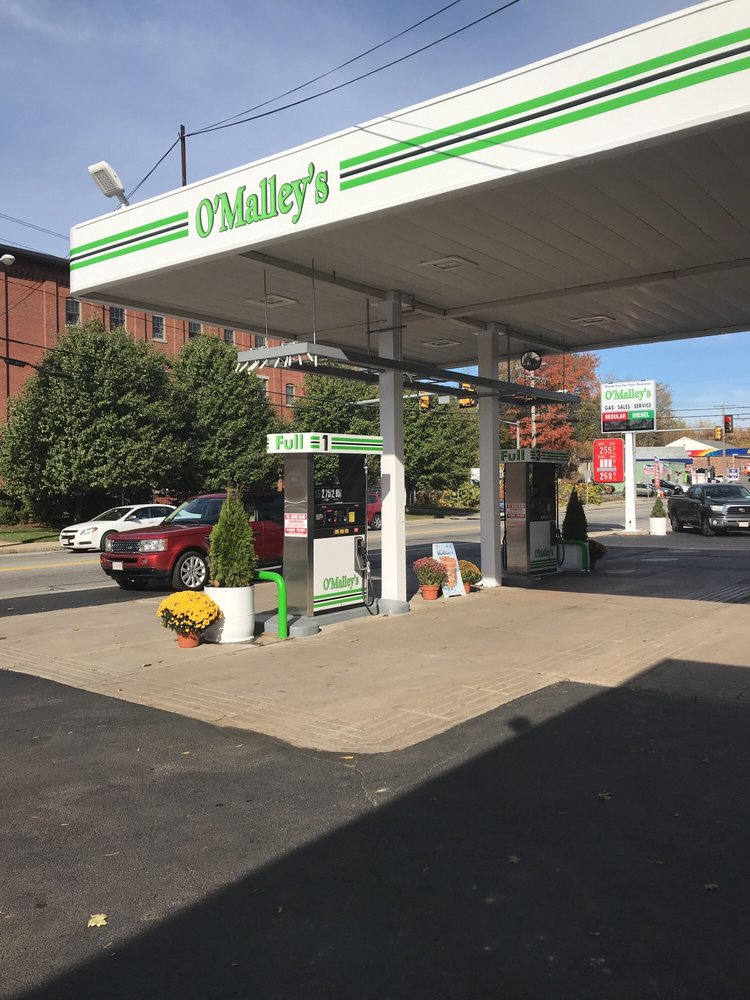 O'Malley's Service Station: 531 Main St, Clinton, MA