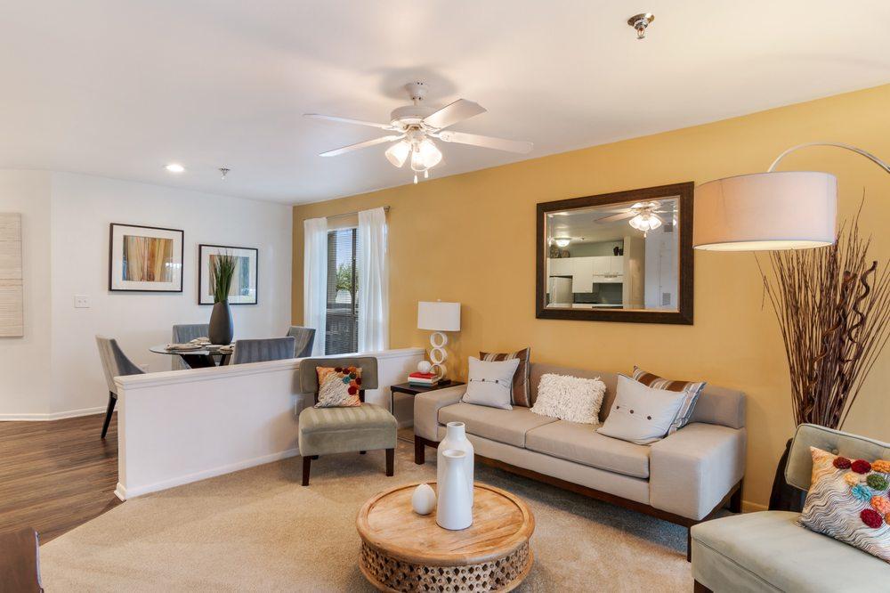 McIntosh Apartments: 4449 McIntosh Park Dr, Sarasota, FL