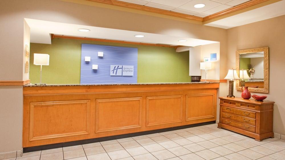 Holiday Inn Express & Suites Norfolk: 920 S 20th St, Norfolk, NE