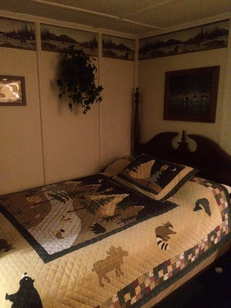 Carroll Motel & Cottages: 73 Rt 3 S, Twin Mountain, NH