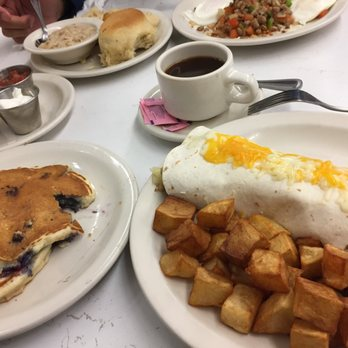 Photo Of Savoy Restaurant Tulsa Ok United States Breakfast Burrito Blueberry