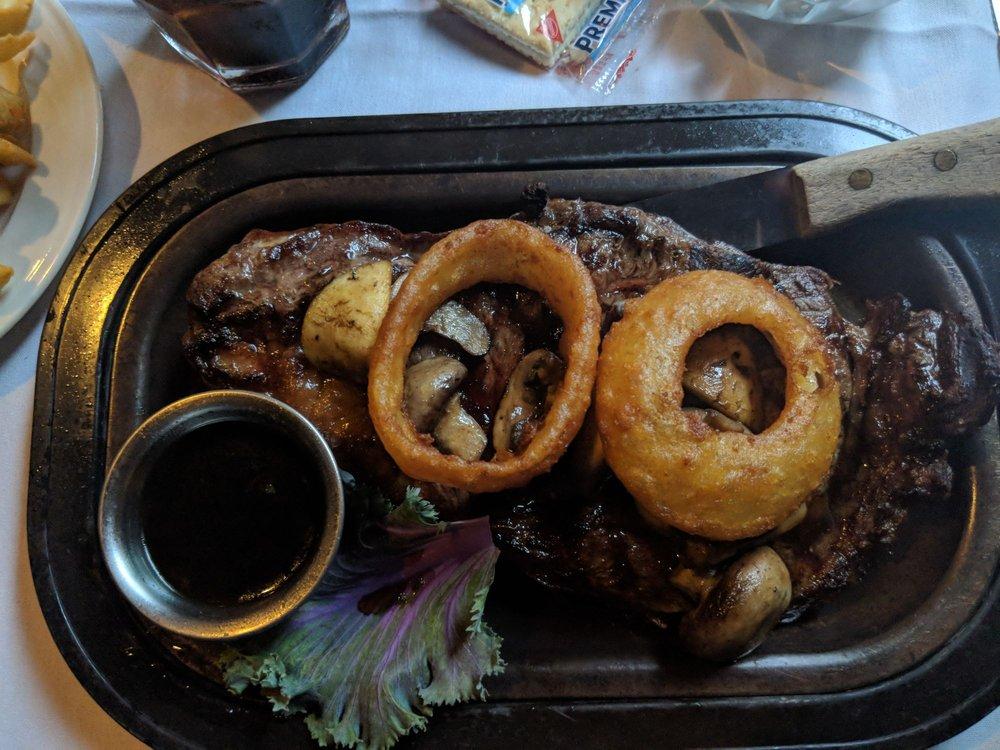 Benedetti's Supper Club: 3232 Riverside Dr, Beloit, WI