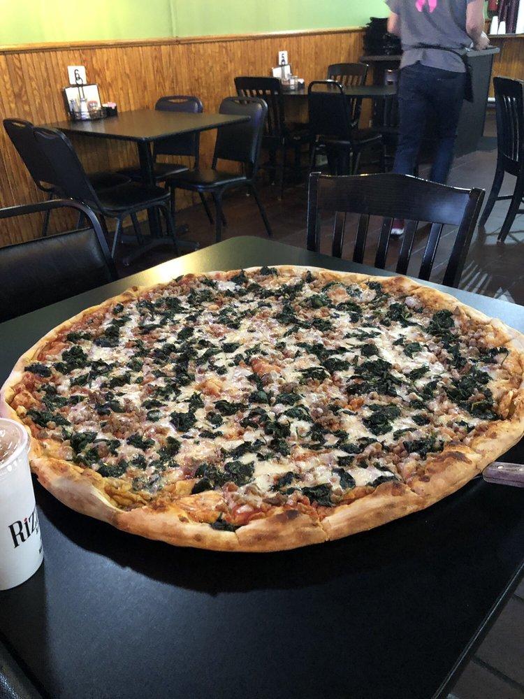 Rizzi's Pizza Cafe: 6230 Green Lee St, Arlington, TN