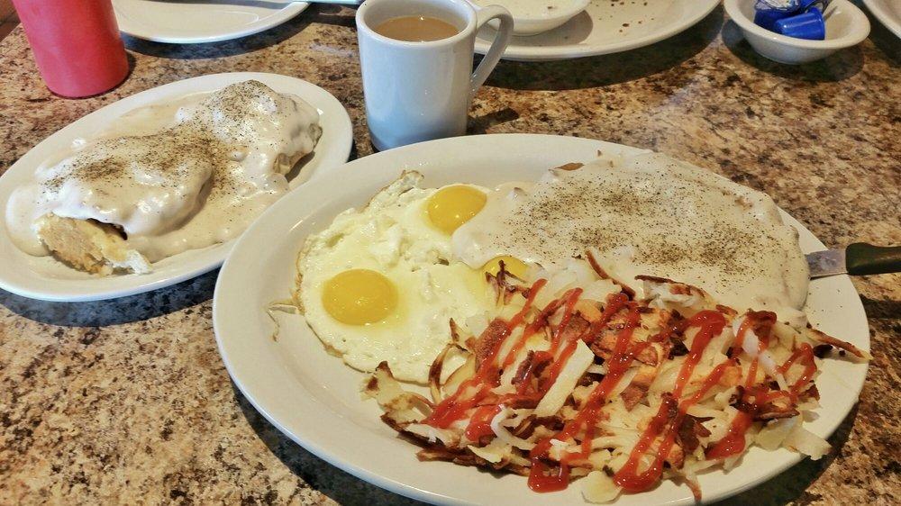 Flor's Diner: 821 W Valley Blvd, Colton, CA