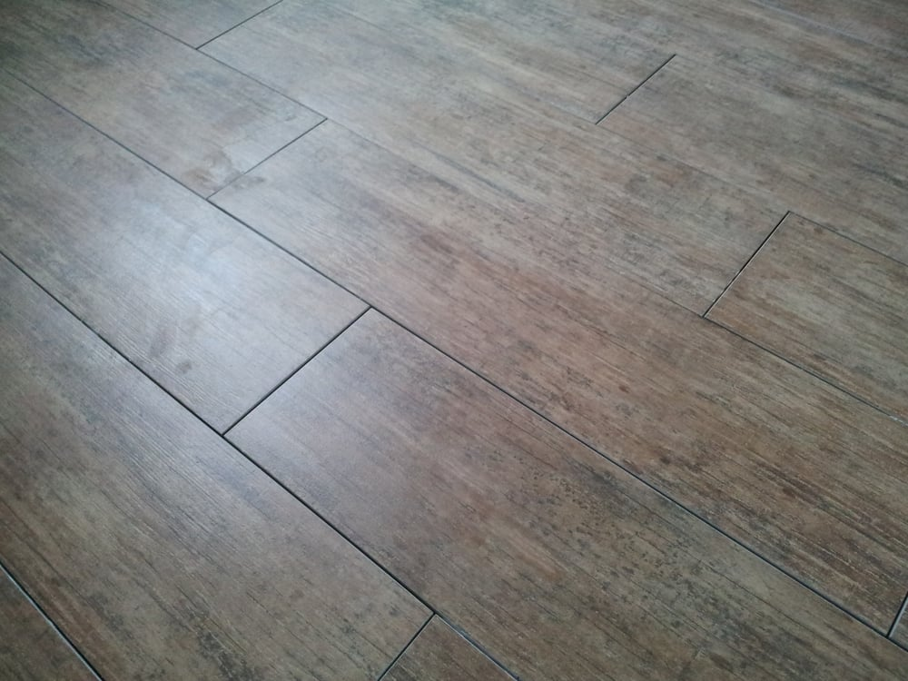 Anticho Maple Wood Grain Tile Spaced 116 Apart Waiting To Be
