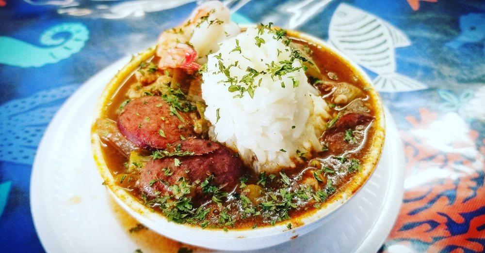 Bay-Seas Fish Market & Restaurant: 217 S WW White Rd, San Antonio, TX
