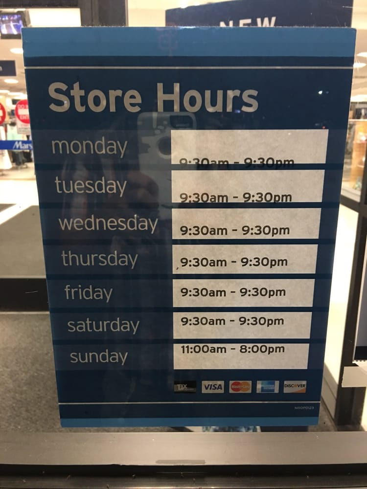Marshall clothing store hours